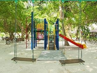 adaaran select hudhuranfushi resort maldives - kids play area