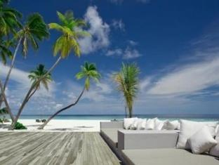 alila villas hadahaa resort maldives -sun lounge