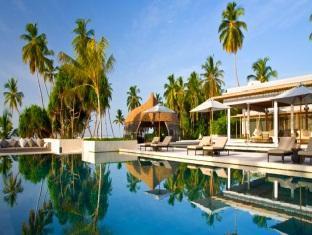 alila villas hadahaa resort maldives -swimming pool