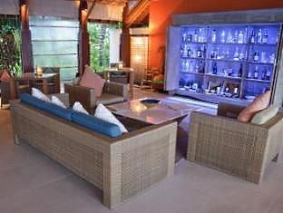 anantara dhigu maldives resort - aqua bar