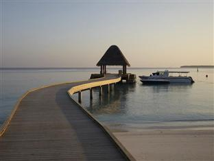 anantara kihavah villas maldives resort - jetty at sunset