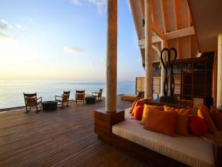 anantara kihavah villas maldives resort - spa relaxation deck
