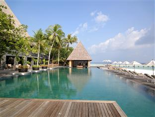 anantara kihavah villas maldives resort - swimmingpool