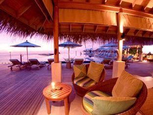 anantara veli maldives resort - dhoni bar at night