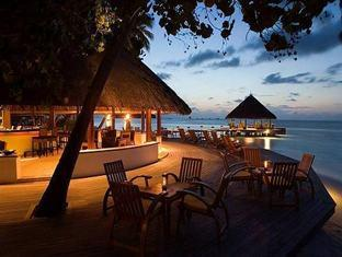 angsana resort spa ihuru maldives - velaavani bar at dusk