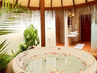 bandos island resort maldives - jacuzzi