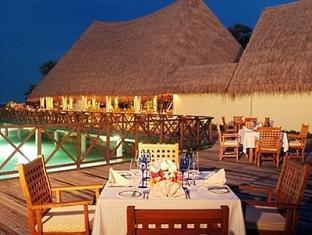 bandos island resort maldives - sea breeze cafe