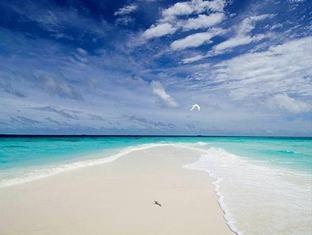 banyan tree madivaru resort maldives - sand bank