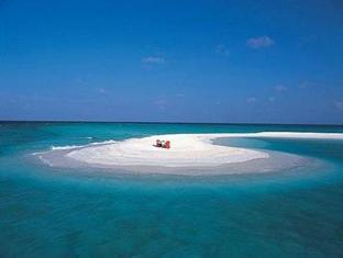 banyan tree vabbinfaru resort maldives - sand bank dining