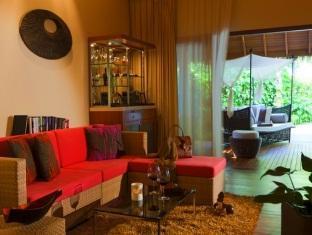 baros maldives resort - baros residence