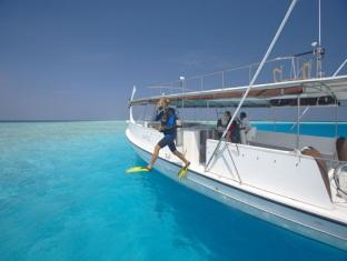 baros maldives resort - diving