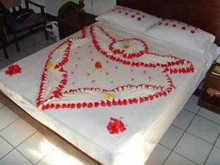 biyadhoo island resort maldives resort - resort guestroom