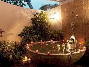centara grand island resort maldives - beach suite bathroom