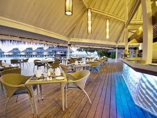 chaaya reef ellaidhoo resort maldives - poolside restaurant