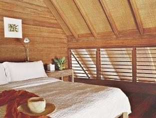cocoa island resort maldives - loft villa bedroom