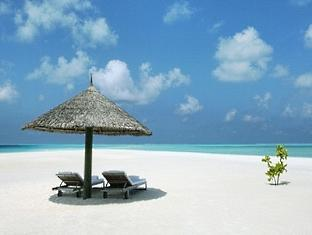 cocoa island resort maldives - private beach
