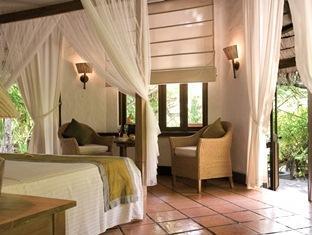 coco palm dhunikolhu resort maldives -beach villa