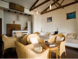 coco palm dhunikolhu resort maldives -executive lounge