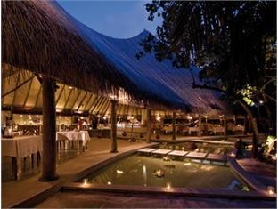 coco palm dhunikolhu resort maldives -international restaurant