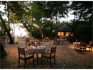 coco palm dhunikolhu resort maldives -restaurant
