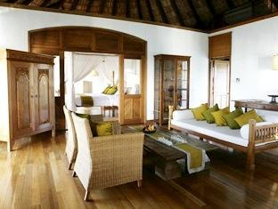 coco palm dhunikolhu resort maldives -sunset lagoon villa