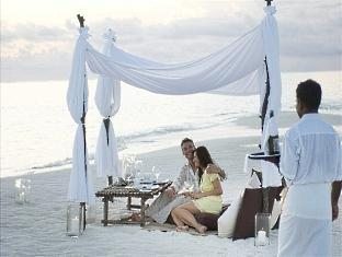 conrad resort maldives rangali island - private beach dinner