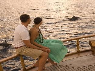 conrad resort maldives rangali island - yacht sunset cruise