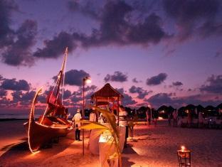 constance halaveli resort maldives - meeru restaurant