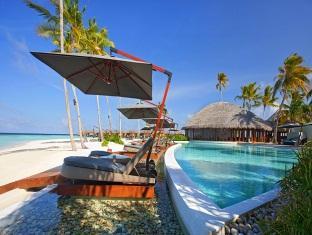 constance halaveli resort maldives - swimming pool