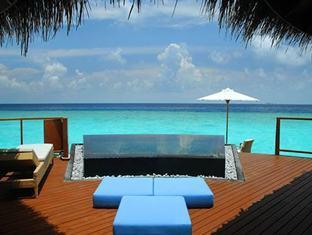 constance halaveli resort maldives - water villa terrace