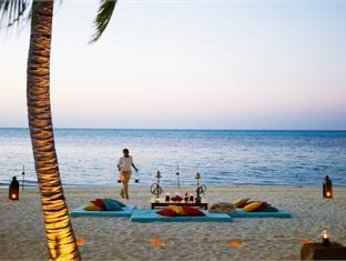 diva resort spa resort maldives - beach dining