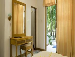 eriyadu island resort maldives - guestroom interior