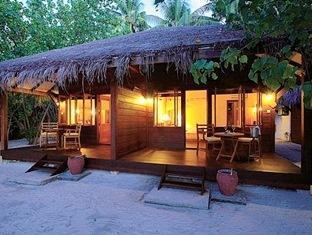 filitheyo island resort maldives - hotel exterior