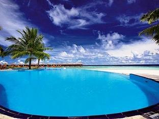 filitheyo island resort maldives - swimming pool