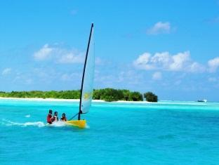 fun island resort maldives - lagoon sailing