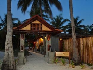 fun island resort maldives - spa entrance
