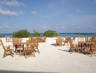 fun island resort maldives - sun lounge