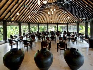 hilton maldives iru fushi resort maldives - iru restaurant