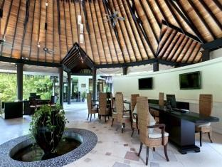 hilton maldives iru fushi resort maldives - lobby