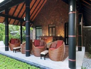 hilton maldives iru fushi resort maldives - spa relaxing area