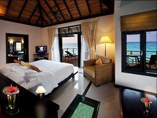 hilton maldives iru fushi resort maldives - water villa