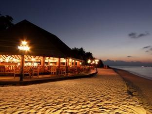 holiday island resort maldives - bar