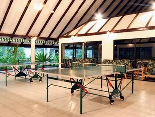 holiday island resort maldives - recreational facilities