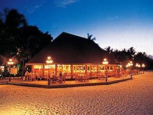 holiday island resort maldives - restaurant
