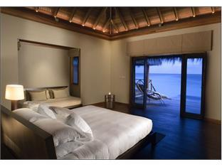 huvafenfushi resort maldives - guest room