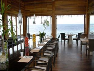 huvafenfushi resort maldives - restaurant