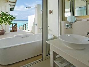 kandooma resort maldives - bathroom