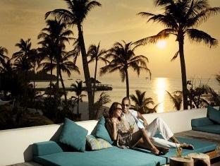 kandooma resort maldives - sun deck