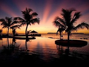 kandooma resort maldives - sunset