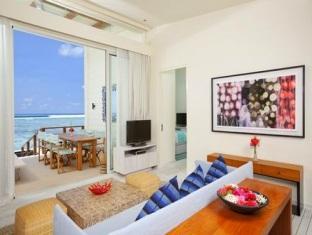 kandooma resort maldives - watervilla living area
